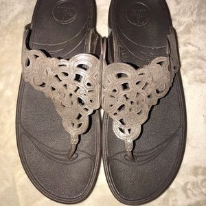 Women's size 9 bronze/brown FitFlop